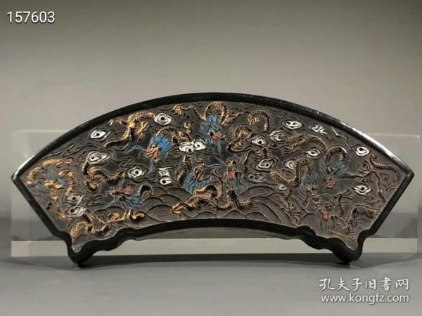 正宗徽州油煙老墨百龍匯海,重約251g。18×6.3×1.8cm