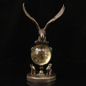 纯铜镶嵌宝石大展宏图钟表  重706克 高21厘米  宽11.5厘米。