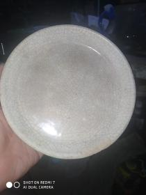 明或清漳州窑小盘  口沿磕了块   自鉴
