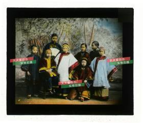 清代民国玻璃幻灯片-----民国早期七位中国女童和一年轻女性合影