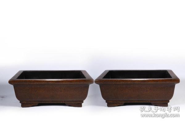 大清乾隆年制 款 漆器方盒一對 尺寸:長27cm寬19.2cm高10.3cm總重1635克