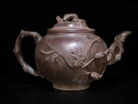 回流-名人款、老紫砂「松樹吃葡萄」茶壺