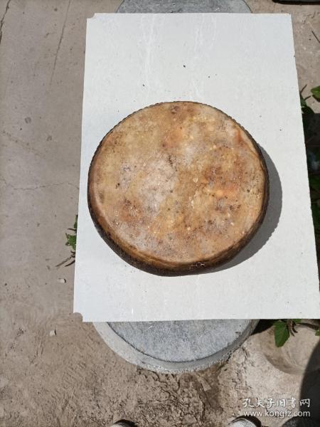 民國牛皮鼓一個,完整保老,正常使用,細節如圖。