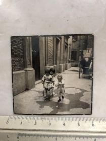 民国时期上海弄堂内儿童老照片