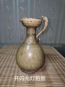 东晋时期越窑执壶一件,隋唐时期壶。品相如图。