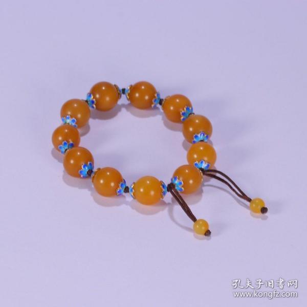 舊藏:田黃手串一條 尺寸:珠徑1.3cm. 重39.5g