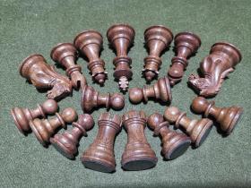 木質 司湯頓式 國際象棋  34枚全(凈重約650克)黑子好像是草花梨