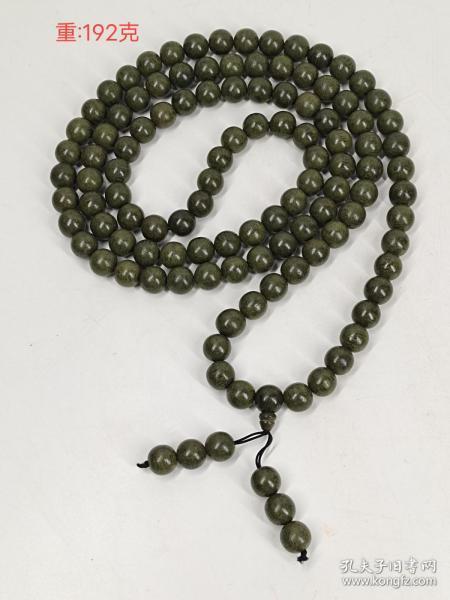 舊藏綠奇楠108顆佛珠,珠子直徑1.5厘米,滿滿的油脂,有淡淡的香味,可寧心靜氣醒腦提神