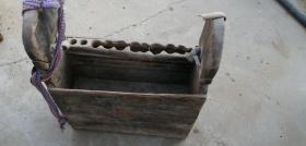 带刻工的老木匠工具箱