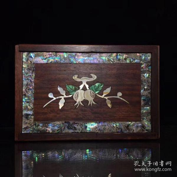 花梨木镶贝壳盒子