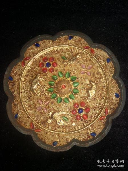 镶宝石铜镜