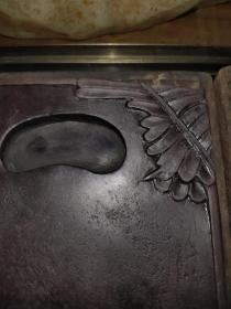 清代蕉叶端砚、石质细腻厚重、造型精美、做工大气、原盒有裂、非常值得收藏。15-10-2cm