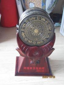 壮族铜鼓一个带红木座【广西河池市卫生局赠】