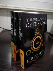 The Fellowship of the Ring ,指环王英文版,魔戒三部曲英文版,第一本受潮后自然干燥,封面如图瑕疵,无笔记无划线,包邮