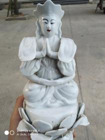 明代至清代德化观音坐莲佛像(极少见的造型莲叶有残两片)包老开门