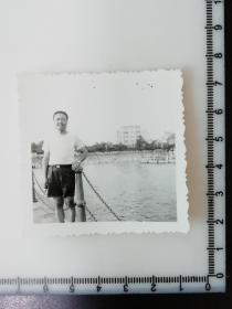 17 年代老照片 江边