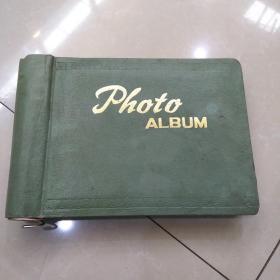 老影集一册~带几十张照片。