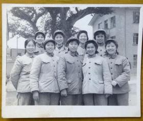 老照片:美女——解放军漂亮女兵——这是我们歌队的部份女同志。看背题。【陌上花开系列】
