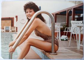 著名动作明星黄秋艳香港私人泳装照片