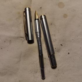 贵冠牌250老钢笔