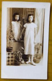 民国老照片:民国美女,窗前与窗后.【江西宜春——丰城县佛岭圩——正顺先生家庭系列】