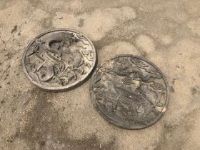 圆形砖雕鲤鱼跳龙门一对,雕工精细,高浮雕,装修佳品。尺寸直径50