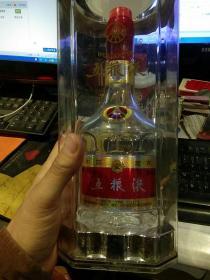 水晶五粮液酒瓶一个【空酒瓶;酒瓶日期为2018年11月21日;配有外包装塑壳】