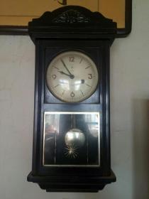 北极星老机械挂钟
