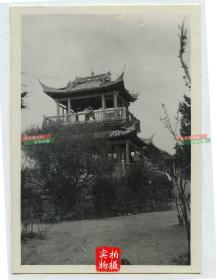 民国江苏无锡太湖一带的楼阁老照片,尺寸为8.5X6厘米