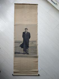 文革时期丝织毛主席站像条幅(极其难见到)