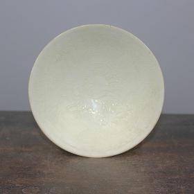 定窑薄胎龙纹碗