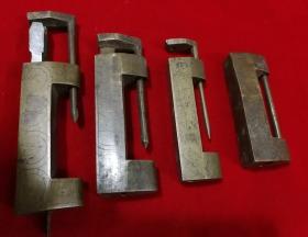 特价民国老铜锁4个共208元包老保真当做配件处理
