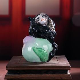 景德镇老厂货瓷器 雕塑瓷--捧元宝的猴