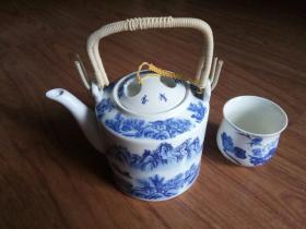 景德镇青花瓷茶壶