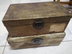 皮箱2只。铜活完好,入手即用。代友人卖。完好无损。