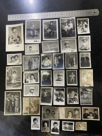 新中国的儿童系列老照片36张 五十年代初至七十年代末的儿童们骑玩具车骑木马拉小提琴玩玩具等等千姿百态非常可爱