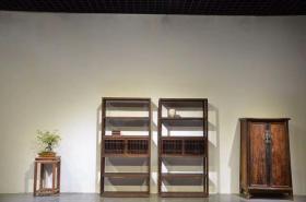 榉木文房书架一对,可做博古架或酒架,单个尺寸  高200,宽100,厚35,整体素简典雅,可置雅室,会所,书房,文人雅士空间陈设。