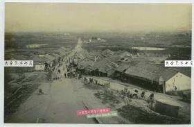 清代1904年左右从江苏南京城楼之上(或鼓楼?)眺望俯瞰街道全貌老照片,强烈泛银。尺寸为16.6X10.8厘米