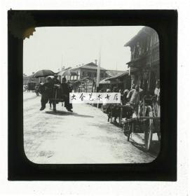 清代民国玻璃幻灯片-----清末民初上海老城街道人力推车交通和福兴茶楼老玻璃幻灯