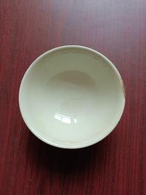 瓷器,老碗。豆青瓷碗一只,龙凤呈祥。详情见图。
