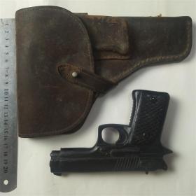 正品老牛皮枪套带木头雕刻玩具枪
