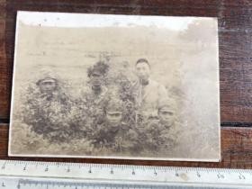 民国抗战时期野外侦查的四个日本兵老照片