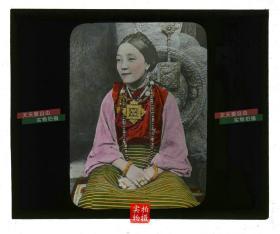 清代民国玻璃幻灯片-----清末民国时年轻漂亮的藏族女孩