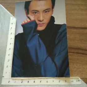 明星演员李解单人照:曾在《笑傲冮湖》饰林平之,《射雕英雄传》饰欧阳克