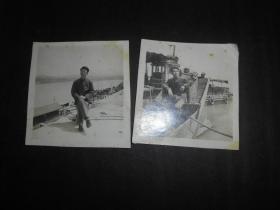 50年代江边码头及船舶上留影