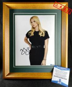 """""""美国第一千金"""" 伊万卡·特朗普 签名照片 (照片10×8英寸,已装裱带框) 由三大签名鉴定公司之一Beckett(BAS)提供鉴定"""