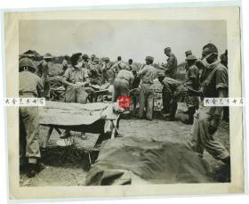 民国1944年7月二战中缅印战区密支那机场,美军用于救治美军,中国国民党国军,日军的军用战地医院老照片,22.8X18.1厘米,泛银