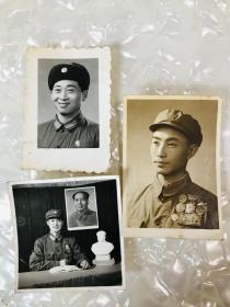 五十年代解放军老照片3张,带勋章奖章,泛银