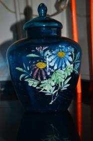 蓝色玻璃罐