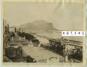 清代意大利朝圣山一带的港口码头全景蛋白老照片一张,尺寸为25.6X20.1厘米